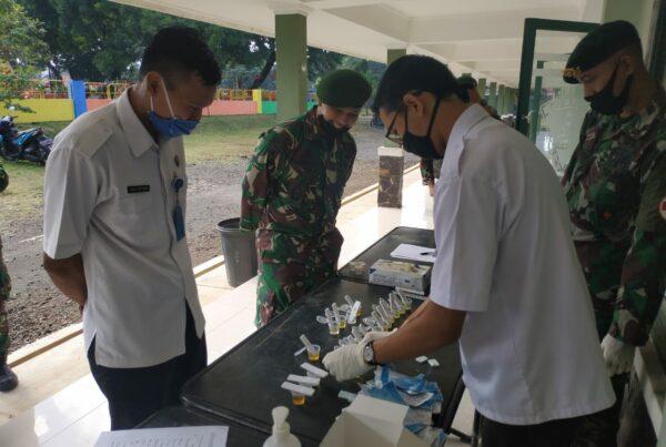 Tes Urine dan Sosialisasi Yon Armed 1/Roket/AY/1/2 Kostrad Singosari