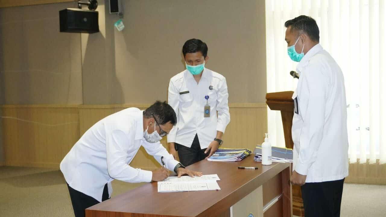 Penandatanganan Perjanjian Kinerja Pejabat BNN Kabupaten Malang dilakukan di Surabaya